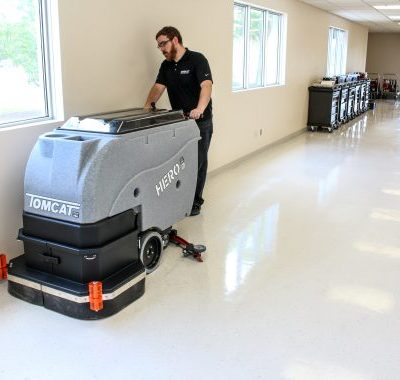 Tomcat Hero Cylinder brush Scrubber Drier