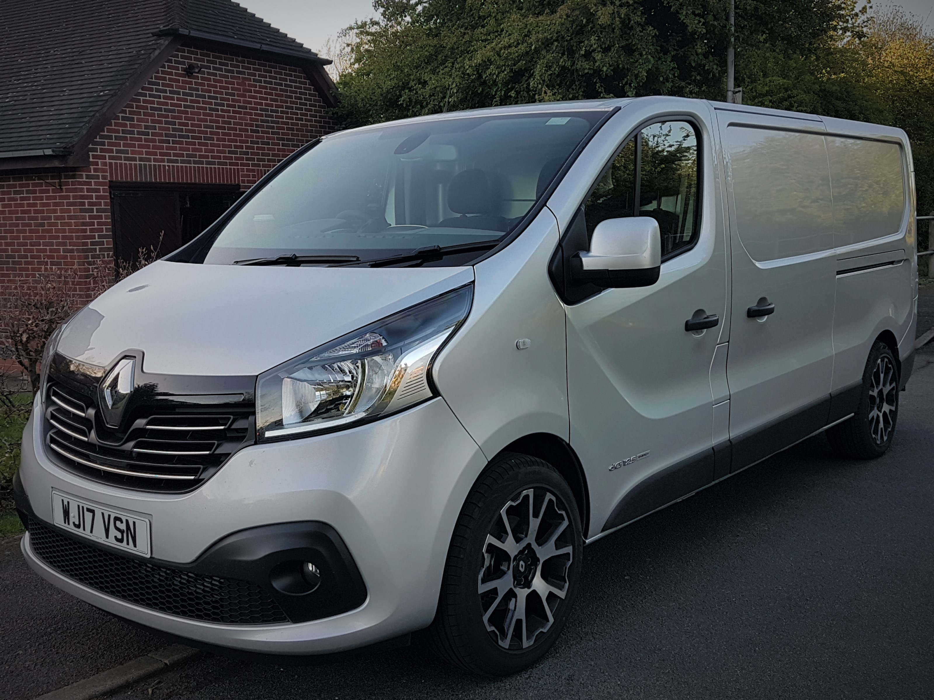 renault trafic sport fully fitted out window cleaning van package clean machine. Black Bedroom Furniture Sets. Home Design Ideas